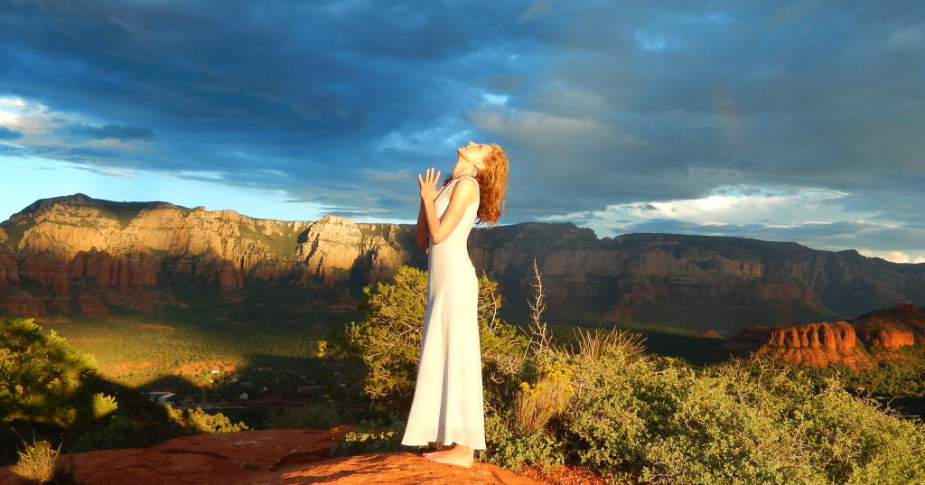erin-sharaf-sedona-arizona-prayer-position